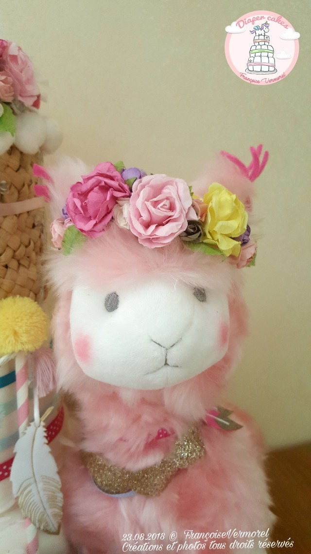 lama couronne fleurs